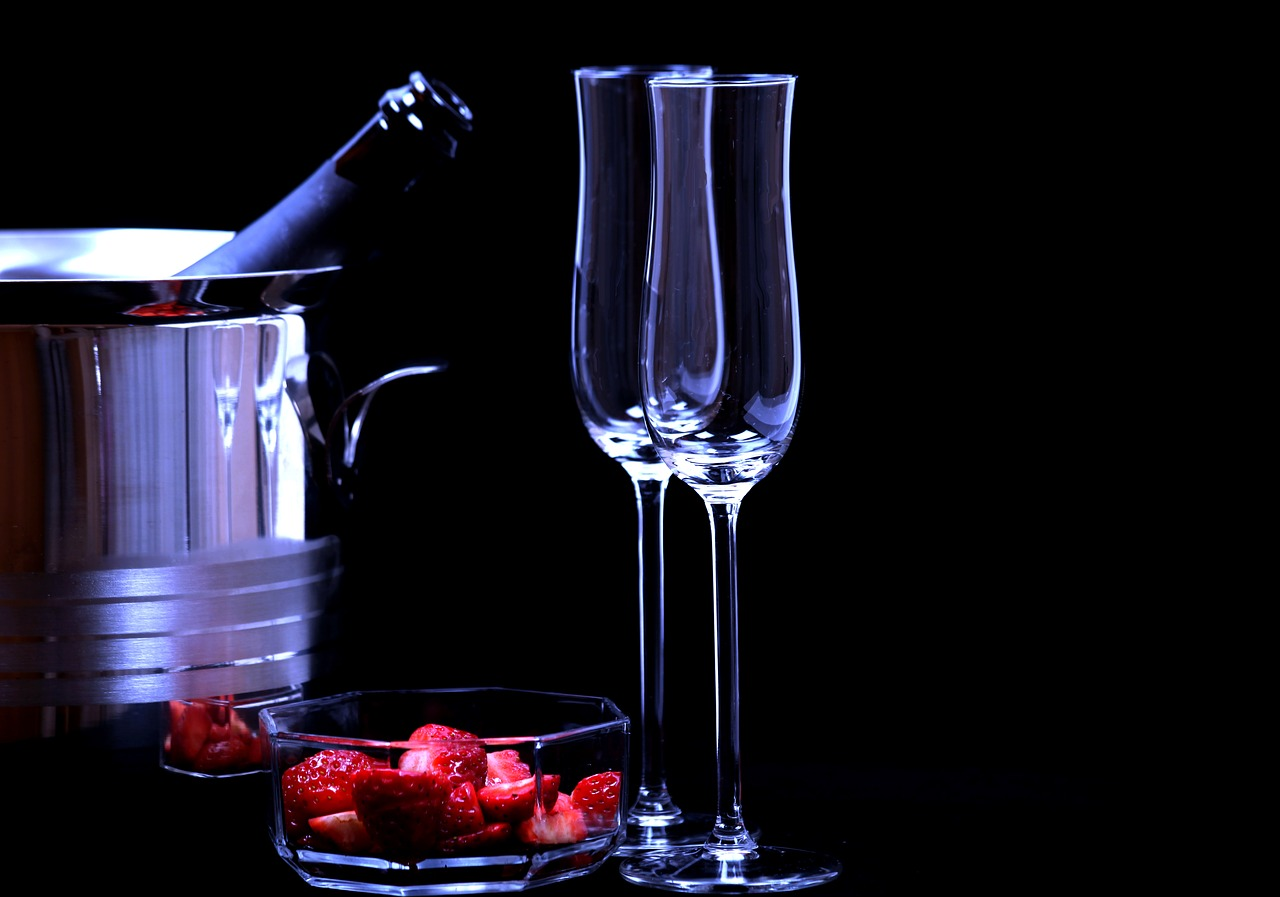 strawberries-and-champagne